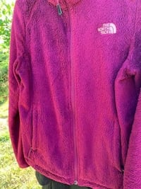 Magenta Northface Fleece Leesburg, 20176