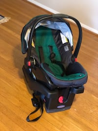 baby's black and green car seat carrier Washington, 20001