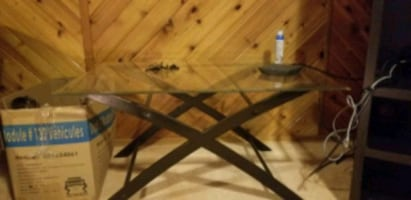 Glass collapsible table