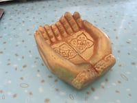 Gold Painted Pottery Designed Meditation Palm Hands