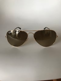 black framed Ray-Ban aviator sunglasses Toronto, M4S 3A8