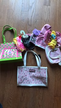 Pet carriers & clothes   Chantilly, 20152