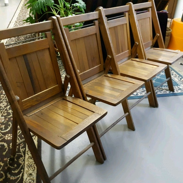 Vintage Wooden Folding Chairs.4 Vintage Wood Folding Chairs
