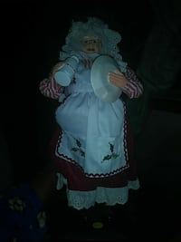 dressed woman porcelain doll Woodbridge, 22193