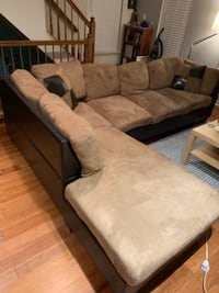 Couch for sale in Upper Marlboro  HALETHORPE