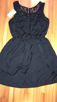 Black dress with lace detail Coquitlam, V3J 3P9