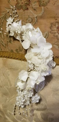 white flowers and white pearls tiara Pineville, 71360