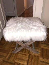 white and gray fur chair 404 mi