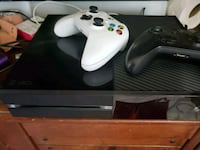 Xbox One console with two controllers Sandy, 84070