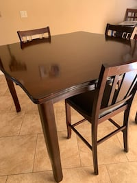 3 Chair High Dinning Room Table Las Vegas, 89120