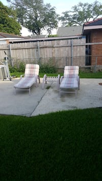 2 outside chairs Metairie, 70001