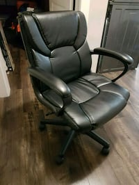 Hardly used high quality office chair Surrey, V3S