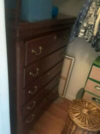Chest of drawers East Windsor, 08520