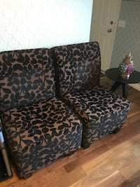 2 printed accent chairs   Calgary, T3G 5J2