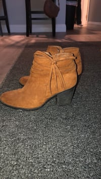 Size 7/12 Suede Ankle Booties Oceanside, 92056