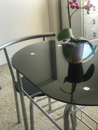 LIKE NEW! Stainless Steel and Glass Dinette 2413 mi