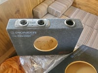"""2- 10"""" Pioneer TS-TRX1000 Subwoofer Boxes"""
