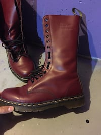 14 Hole Burgundy Doc Martens (Worn 3 Times) perfect condition  Ingersoll, N5C