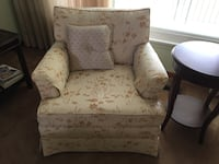 Cream and beige print sofa & chair for sale Mississauga, L5B 1E9