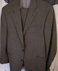 Grey and White spotted suit (Jacket and Pants) Ajax, L1Z 2E1