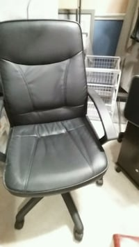 Office chair Mississauga, L5B 2C9