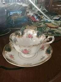 Royal Albert cup and saucer, collectible Laval, H7G 2W7