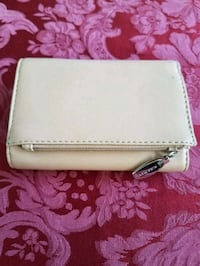 white leather long wallet screenshot Wilton Manors, 33305