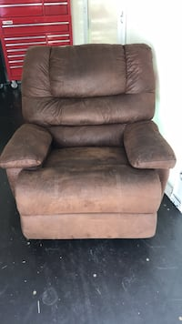 Brown suede recliner sofa chair Tacoma, 98444