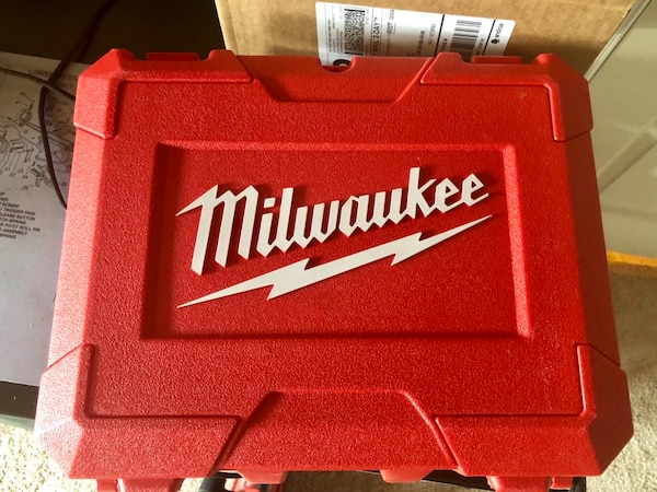 Milwaukee M18 Fuel Circular Saw and Drill (w/ Case) 09f43618-16fa-4cf0-a1fe-d65ee672bd52