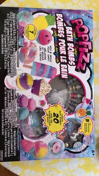 Pop Fizz Bath Bombs making set. Only used 2 glitter packages. Used once like new! Bradford pick up.  Bradford, L3Z 3B7