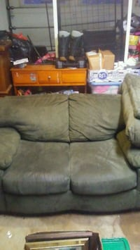 4pc living room set by Ashley. Couch, love seat,ch