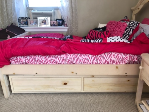 Used Twin trundle bed for sale in JAMAICA   letgo