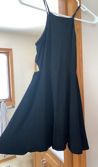 Slim fitting flair out dress(garage)