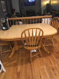 Solid Oak Kitchen table with three chairs Fort Washington, 20744