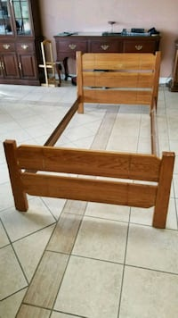 Twin brown wooden bed frame  San Diego, 92128