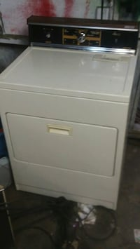white front-load clothes washer Saint Albans, 25177