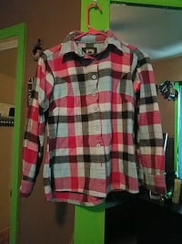 red and white plaid button-up long-sleeved shirt Great Falls, 59405