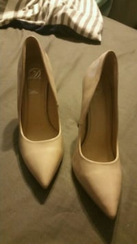 pair of beige leather pointed-toe heeled shoes Powder Springs, 30127