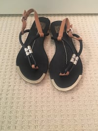 Dolce Vita black-and-brown sandals size 7