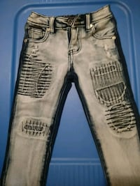 Girls 4t faded/patched jeans