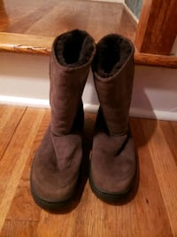 ugg boot chocolate brown size 9 Stratford, 06614