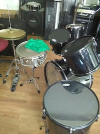 black and gray drum set Merced, 95348
