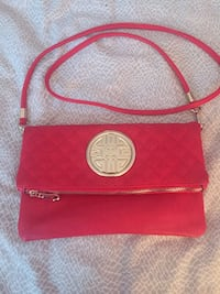 New crossbody bag bought from winners  Newmarket, L3X 1H8