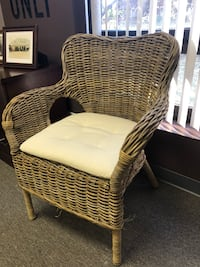 wicker brown armchair with ottoman Glendale Heights, 60139