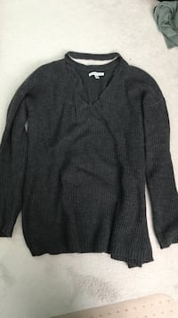Small AE sweater barely worn Milton, L9T 6H2