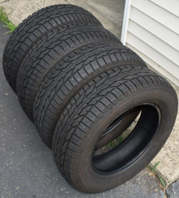Tires: Firestone Winterforce 2 1b85f9d4-3382-4de4-aa87-b091e1a23ddc
