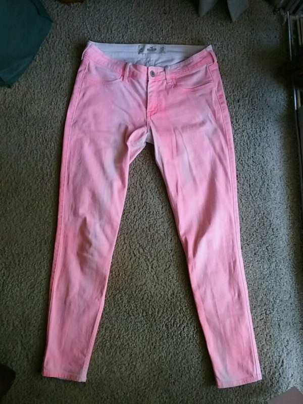 2e40cbb4cc6 Used Pink-tinted Hollister Jeans for sale in Santee - letgo