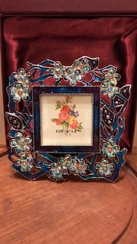 blue and brown floral photo frame Gainesville, 20155