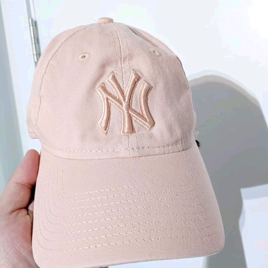 Yankees rose hat