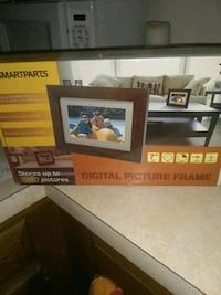 Didital picture frame stores 3000 Alexandria, 22315